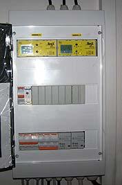 Řídicí systém pro solární systém a krb